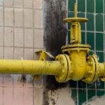 Jak prowadzić przewody gazowe w kuchni przemysłowej?